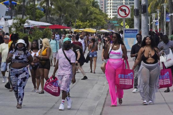 Spring Break Miami Beach Curfew